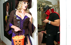 Halloweeny - Naked Cory Woo With the porn scene
