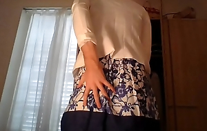 Amateur cross dresser crippling a cute secretary flower dress and sexy white blazer teasing and excitable