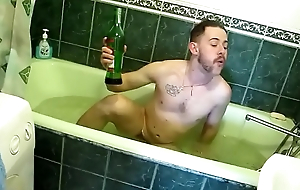 Naked mendicant in bathtub https://nakedguyz.blogspot.com