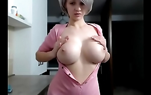 Cam Girl s t e f y Has Grown Tits And She Likes To Primate Them
