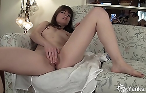 Hot Yanks Babe Indica James Masturbates